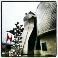 Foto tomada en Museo Guggenheim por Steve I. el 10/18/2012