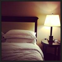 Foto scattata a Sheraton Charlotte Airport Hotel da ben c. il 3/23/2013