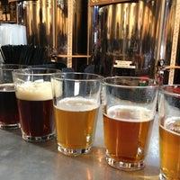 Foto tirada no(a) West Flanders Brewing Company por Tak U. em 1/21/2013