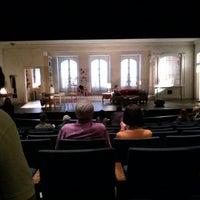 Foto tirada no(a) Steppenwolf Theatre Company por Dan W. em 7/15/2013
