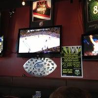 Foto tomada en On Deck Sports Bar & Grill por Lizz S. el 5/2/2013