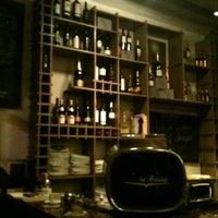 Foto tomada en La Broka por Alejandra T. el 11/24/2012