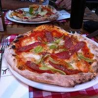 Photo prise au Il Vicino Pizzeria par Nur S. le7/28/2013