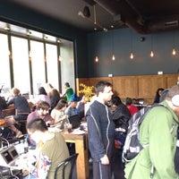 Foto scattata a Manhattanville Coffee da Peter C. il 5/9/2015