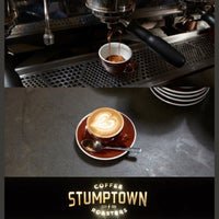 Photo prise au Stumptown Coffee Roasters par Lawrence T. le9/10/2013