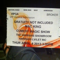 Foto diambil di The Mac King Comedy Magic Show oleh Jerome W. pada 4/4/2013