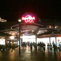 Foto tirada no(a) Hard Rock Cafe Sydney por Indrajid N. em 3/31/2013