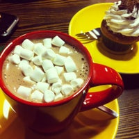 Foto diambil di Cup&Cake / Кап&Кейк oleh Anna T. pada 3/16/2013