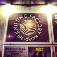 Foto scattata a Knitting Factory da Thomas Bech il 11/11/2012