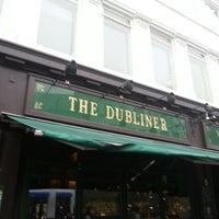 Photo prise au The Dubliner par Louise R. le4/12/2013