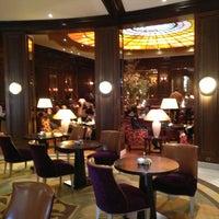 Foto tirada no(a) Hotel Vier Jahreszeiten Kempinski por O em 2/7/2013