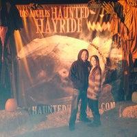 Das Foto wurde bei Los Angeles Haunted Hayride von Brittany F. am 10/31/2013 aufgenommen