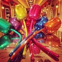 รูปภาพถ่ายที่ Wynn Las Vegas โดย Michael T. เมื่อ 4/1/2013