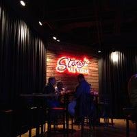 Das Foto wurde bei Stoney's Rockin' Country von @24K am 12/3/2012 aufgenommen