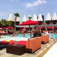 Foto tirada no(a) Palms Pool & Dayclub por Jan G. em 7/4/2013