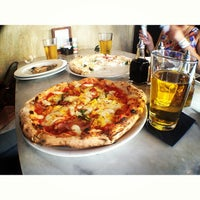 รูปภาพถ่ายที่ Settebello Pizzeria โดย David R. เมื่อ 3/27/2013