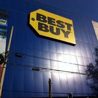 12/23/2012 tarihinde S. Daniel G.ziyaretçi tarafından Best Buy'de çekilen fotoğraf