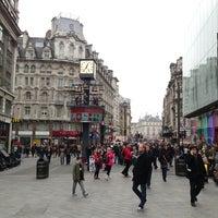 Photo prise au Leicester Square par Андрей А. le3/9/2013
