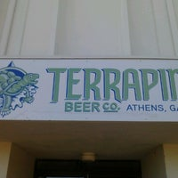 Photo prise au Terrapin Beer Co. par Julie P. le11/24/2012