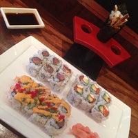 Foto tirada no(a) Samurai Sushi por Brian P. em 5/13/2014