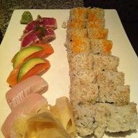 Снимок сделан в Sushi Den пользователем Scott H. 5/3/2013