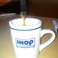 Foto scattata a IHOP Juriquilla da Héctor Q. il 6/17/2013