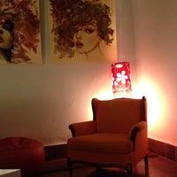 Foto diambil di Ámbar Galería-Cinema-Café oleh Nilce C. pada 3/30/2014