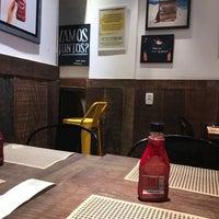 Foto tirada no(a) T.T. Burger por Andre S. em 1/20/2018