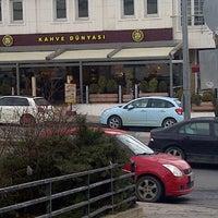 2/23/2013 tarihinde Gokce S.ziyaretçi tarafından Kahve Dünyası'de çekilen fotoğraf