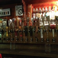 Foto scattata a Rogue Ales Public House & Distillery da Chris W. il 6/24/2013