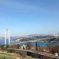 2/24/2013 tarihinde Aslıziyaretçi tarafından Doğatepe Restaurant'de çekilen fotoğraf