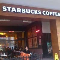 Das Foto wurde bei Starbucks von Al'mithara M. am 1/28/2013 aufgenommen
