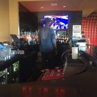 Foto scattata a BTH Restaurant and Lounge da K M. il 10/4/2015