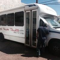 Photo prise au Discover Hawaii Tours par Kimo C. le6/4/2014