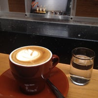 Foto scattata a Blue Bottle Coffee da John C. il 11/14/2013