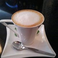 Foto tomada en Café Euro Bar por Jose P. el 10/31/2012