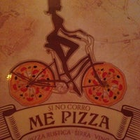 Foto diambil di Si No Corro Me Pizza oleh Waleska D. pada 9/22/2013