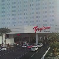 Foto diambil di Tropicana Las Vegas oleh David P. pada 2/6/2013