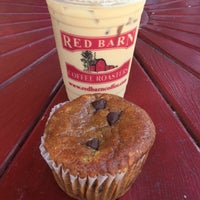 Photo prise au Red Barn Coffee At Angel's Cafe par Jesika M. le8/8/2016