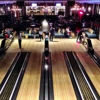 Foto tirada no(a) Punch Bowl Social por Leonardo D. em 12/26/2012