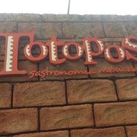 3/12/2013に41 Delivery C.がTotopos Gastronomia Mexicanaで撮った写真