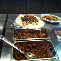 Foto tirada no(a) Chipotle Mexican Grill por Babar R. em 11/30/2012