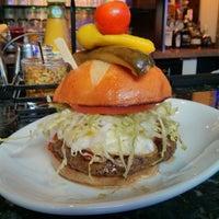 รูปภาพถ่ายที่ Relish Burger Bistro โดย Samson เมื่อ 3/14/2013