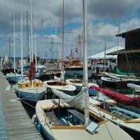 Foto scattata a Center for Wooden Boats da Samson il 7/5/2013