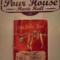 Foto tomada en The Pour House Music Hall por Bryan R. el 3/19/2013