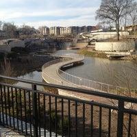 Foto tomada en Historic Fourth Ward Park por Chris L. el 3/17/2013
