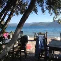 Das Foto wurde bei Çınar Plajı von Sevi am 10/15/2013 aufgenommen