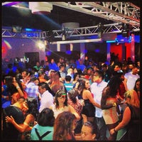 Снимок сделан в Solas Lounge & Rooftop Bar пользователем Josh C. 6/28/2013