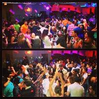Снимок сделан в Solas Lounge & Rooftop Bar пользователем Josh C. 6/22/2013