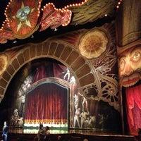Foto tirada no(a) Dolby Theatre por Wayne L. em 1/19/2013